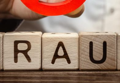 HSBC UK becomes first high-street bank to launch fraud awareness app to protect businesses from scams